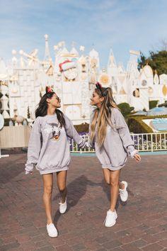 BFF's nehmen Disneyland 🏰 Foto: BFF's nehmen Disneyland 🏰 Foto: … – Disney pictures Disney World Outfits, Disney World Fotos, Disney World Pictures, Cute Disney Pictures, Friend Pictures, Family Pictures, Disneyland Photos, Disneyland Outfits, Disneyland Trip