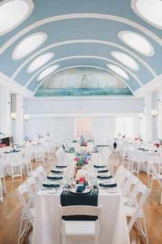 Sean & Christine | July 28, 2012 | Location: Royal Canadian Yacht Club | Guests: 123 | Budget: $60,000