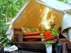 Camping with glamor is indeed possible. For a few years now the concept of Glamping has been taking hold in world tourism markets. Glamping, which could be Camping Glamping, Luxury Camping, Outdoor Camping, Camping Style, Camping Outdoors, Camping Life, Family Camping, Camping Ideas, Panama