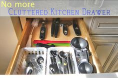 Is your large utensil drawer a nightmare? Check out how to keep it free from clutter and prevent overstocking! - The Realistic Organizer: How to Unclutter Your Kitchen Drawer Organization Station, Kitchen Organization, Organizing Drawers, Organizing Ideas, Kitchen Drawers, Do It Yourself Projects, Staying Organized, Clean Up, Diy Kitchen