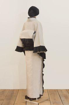 Kimono Outfit, Kimono Fashion, Girl Fashion, Womens Fashion, Yukata, Yamamoto, Traditional Outfits, Smocking, Bell Sleeve Top