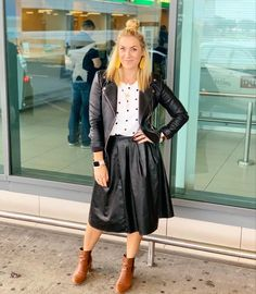 Polkadots and leather! :) / #lovethislook #tips #polkadots #leather #wearitwithconfidence #yesgir #imageconsultant Post Pregnancy Clothes, Pre Pregnancy, Pregnancy Outfits, Midi Skirt, Personal Style, Girly, Formal, Board, Casual