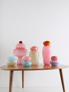 Discover recipes, home ideas, style inspiration and other ideas to try. Large Glass Jars, Green Vase, Glass Dishes, Pink Candy, Decoration, Pantone, Glass Art, Cut Glass, Room Decor