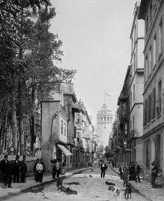Sultan II.Abdülhamid fotoğraf arşivinden İstanbul'da hayat..Büyükhendek Sokağı ve Galata Kulesi