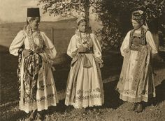 Saxons in Romania City People, Fashion Marketing, Best Memories, Handmade Clothes, Folk Art, Traditional, Women, Europe, Costumes