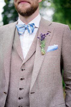 #Bräutigam in braun und weiß