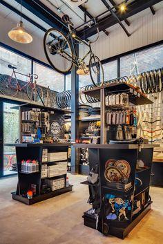 :: Alexandra Proaño 3D - Green Pear Diaries ::: Factory Five Jing'an, una boutique, taller de bicicletas y cafetería al más puro estilo urbano
