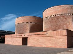 Cymbalista Synagogue and Jewish Heritage Center, Tel Aviv by Mario Botta Synagogue Architecture, Brick Architecture, Sacred Architecture, Religious Architecture, University Architecture, Museum Architecture, Louis Kahn, Tel Aviv, Le Corbusier