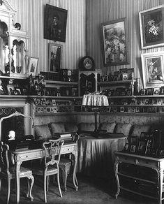 The_Mauve_Boudoir,_Alexander_Palace_(10).jpg 400×496 pixels