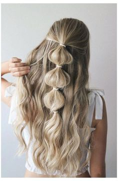 3 EASY FESTIVAL HAIRSTYLES 2018 #cool #hairstyles #coolhairstyles Festival season is officially upon us and I'm so excited to share these easy festival hairstyles with you guys. I wanted to create different hairstyles to fit everyone's style so there's the edgy side dutch braid, the girly bubble braid, and the bohemian inspired stacked braid. Winter Hairstyles, Box Braids Hairstyles, Trending Hairstyles, Girl Hairstyles, Festival Hairstyles, Hairstyles 2018, Hairstyle Ideas, Protective Hairstyles, Easy Work Hairstyles
