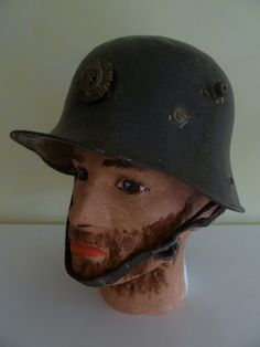 Helmet showing right hand side