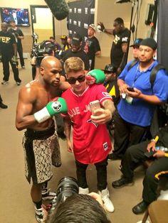 VIDEO  Justin Bieber Attends Floyd Mayweather Fight at MGM VEGAS Justin  Bieber Music fdcd8b37e