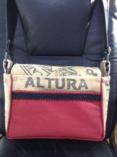 Back of Alabama Crimson Tide burlap purse