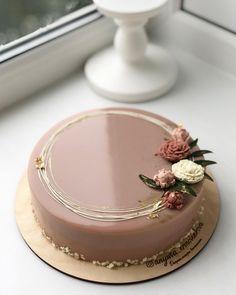 Cake Decorating Frosting, Cake Decorating Designs, Creative Cake Decorating, Cake Decorating Videos, Cake Decorating Techniques, Birthday Cake Decorating, Creative Birthday Cakes, Elegant Birthday Cakes, Beautiful Birthday Cakes