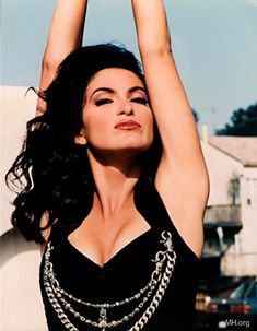 Mariska Hargitay-Absolutely gorgeous. Her face really looks like her mother, Jayne Mansfield, here. A LOT like her!