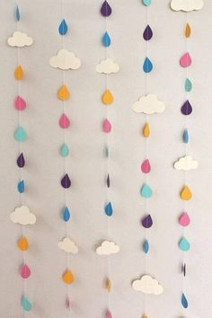 Over 30 meters of rainbow raindrops and clouds of paper garland – April showers, baby showers, party decor - Diy Craft Ideas Felt Crafts, Diy And Crafts, Crafts For Kids, Paper Crafts, Summer Crafts, Decoration Creche, Green Decoration, Deco Pastel, April Showers