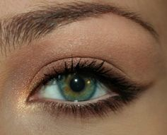 Brown pencil eyeliner for the soft look
