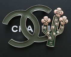 BNIB Chanel Runway Cuba Cruise 2017 Cactus Green CC Logo Metal Brooch/Pin