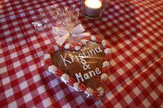 Gastgeschenke - Lebkuchen-Herzen in rot und weiß zur Hochzeit von der Konditorei Krönner Garmisch