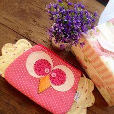 https://flic.kr/p/nt33Md | Bom dia! Feliz sexta feira :) Necessarie coruja asas abertas!! fuxicochiq  #handmade #patchwork #sew #sewing #sewlove #owl #cores #coruja #necessarie #fuxicochiq #tissu #tecido #adorocorderosa #bomdia #craft