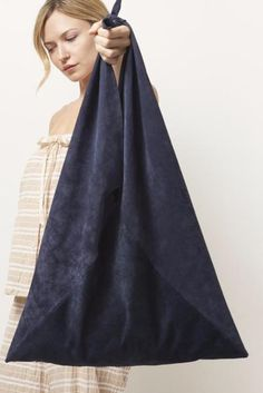 Sew Bag TRIANGLE Suede Tote - Our everyday triangle tote uses upcycled suede. Created from large intersecting pieces of soft but sturdy body lamb skin, unlined - Color: Navy, Baby Blue, Tan - Size: OS - Handmade Made in Downtown Los Angeles Diy Fashion, Fashion Bags, Origami Fashion, Hobo Bag Patterns, Tote Pattern, Pattern Sewing, Triangle Bag, Origami Bag, Japanese Bag