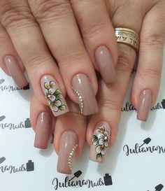 Check it out. Fabulous Nails, Perfect Nails, Gorgeous Nails, Cute Nails, Pretty Nails, One Stroke Nail Art, Fall Nail Art, Nail Shop, Flower Nails