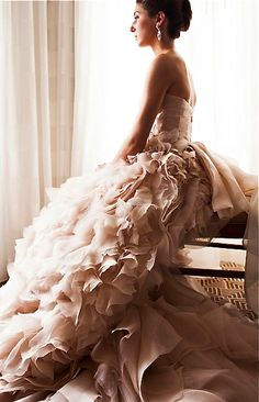 Monique Lhuillier gown on Munaluchi Bride