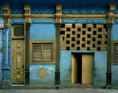 "Internationally renowned photographer Michael Eastman brings his large format collection from Cuba, ""Havana"" to the Oklahoma City Museum of Art. Cuban Architecture, Historical Architecture, Interior Architecture, Bbc, The Mysterious Island, Going To Cuba, Contemporary Artists, Art Museum, Interior And Exterior"