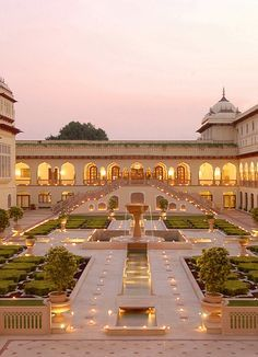 Glorious Gardens of Guy Hervais Rambagh Hindu Palace - Home of the Maharaja of Jaipur, India- Hinduism Architecture ॐ Mansion Homes, Dream Mansion, Mansion Interior, Mansion Bedroom, India Architecture, Beautiful Architecture, Ancient Architecture, Garden Architecture, Gothic Architecture