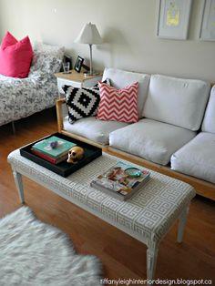 Design for small spaces idees-pour-decoration-trucs-pour-la-maison Tiny Studio Apartments, Studio Apartment Design, Cool Apartments, Studio Apt, Small Studio, Studio Living, Home Living Room, Apartment Living, Condo Living