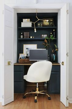 See the stunning reveal of this formal family room and office nook as it went from ugly duckling to glamorous and chic You won t believe the before and after Home Made by Carmona Closet Turned Office, Home Office Closet, Closet Desk, Tiny Office, Small Space Office, Home Office Space, Bedroom Office, Home Office Design, Home Office Decor