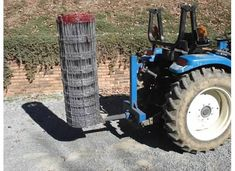 Very simple fence unroller build - Modern Design Gifts For Campers, Camping Gifts, Metal Projects, Welding Projects, Tractor Accessories, Modern Agriculture, Trailer Diy, Tractor Implements, Tractor Attachments