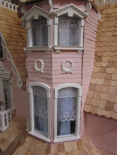La Grande Maison-The Greenleaf Garfield Dollhouse: A work in progress...