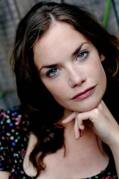Google Image Result for http://www.kievrus.com.ua/images/actors_photos/r/1177103/large/ruth-wilson-1177103-photo-large-3.jpg