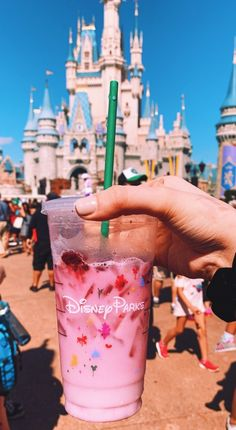 See more of fuckwthat's content on VSCO. Cute Disney Pictures, Disney World Pictures, Disney Desserts, Bebidas Do Starbucks, Starbucks Drinks, Disney Starbucks, Best Disneyland Food, Disneyland Paris, Disney Aesthetic