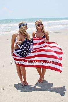 American flag beach photo best friends, twin beach pic