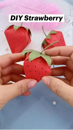 Diy Crafts For Girls, Diy Crafts To Do, Diy Crafts Hacks, Cool Paper Crafts, Paper Crafts Origami, Origami Art, Diy Gifts, Preschool Special Education, Strawberry