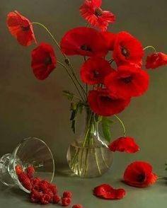Watercolor Flowers Tutorial, Flower Tutorial, Valley Flowers, Bild Tattoos, Red Poppies, Pretty Flowers, Flower Vases, Floral Arrangements, Orchids