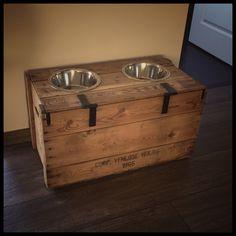 Created a feeding an water box for our dog #dog #labrador #diy #voerbak #waterbak #hond #doehetzelf #veilingkist