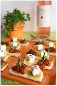Tartine con pestato ai pomodori secchi   Farina lievito e fantasia
