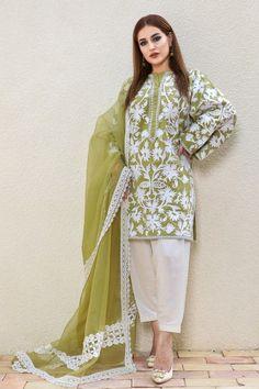 Stylish Dresses For Girls, Stylish Dress Designs, Designs For Dresses, Casual Dresses, Winter Dresses, Pakistani Fashion Party Wear, Pakistani Outfits, Indian Outfits, Indian Fashion