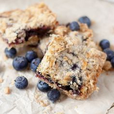 Blueberry Oatmeal Crumble Bars by magicallydelicious: Especially great with a scoop of vanilla bean ice cream or frozen yogurt! #Bars #Blueberry