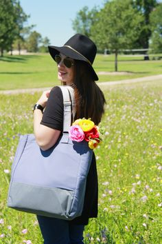 CH2T Covets: Bump Update #pregnancystyle #maternitystyle #cabaggagela #diaperbag #bumpstyle #krispclothing