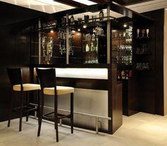Ob Barhocker, Bartisch oder Bartheke - Bar-Möbel für Ihre Hausbar