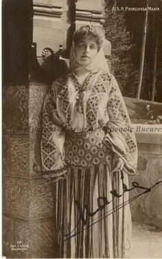 Queen Marie of Romania in traditional Romanian attire, c. photo postcard, x Museum purchase, Collection of Maryhill Museum of Art. Romanian Royal Family, Romania Travel, Royal House, Costume, Queen Mary, Traditional Outfits, Old Photos, Art Museum, Folk Art