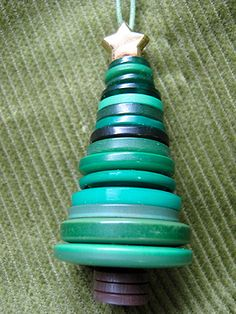"""stacked button Christmas tree (part of a collection of """"Non-Cheesy Gifts Kids Can Make"""")"""