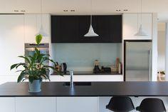 Box™ kitchen Allum. Dekton Sirius, a textured matte finish dekton.