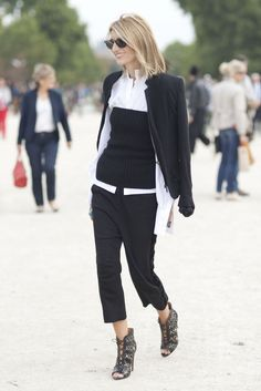 Layering is the best way to create dynamic new looks with your existing wardrobe!  www.WorkingLook.com  #restyle #styling #style #fashion #maturista #stylingtips #styleinspiration  #styletips #wardrobegoals  #wardrobe