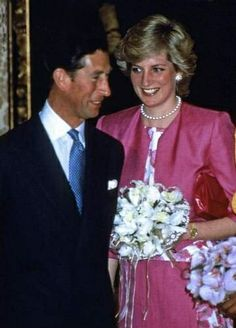 1987-04-22 Diana and Charles visit the British Embassy in Madrid