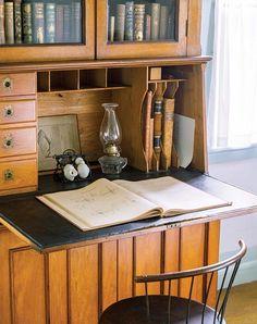 Best desk styles for old houses (Photo: Brian Vanden Brink)